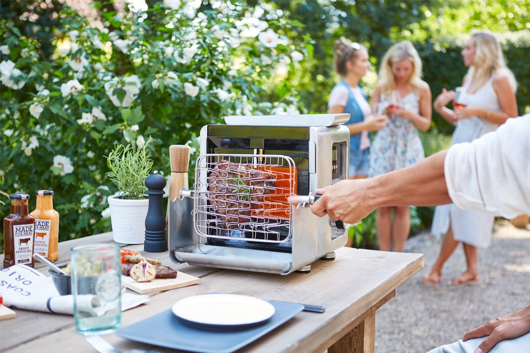 A new generation of grill innovation: LANDMANN 800