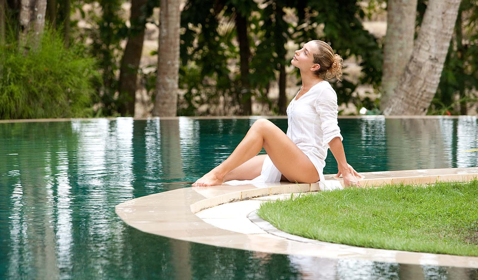 Swimming pool or natural lake? Why not both? Garden lakes in your home