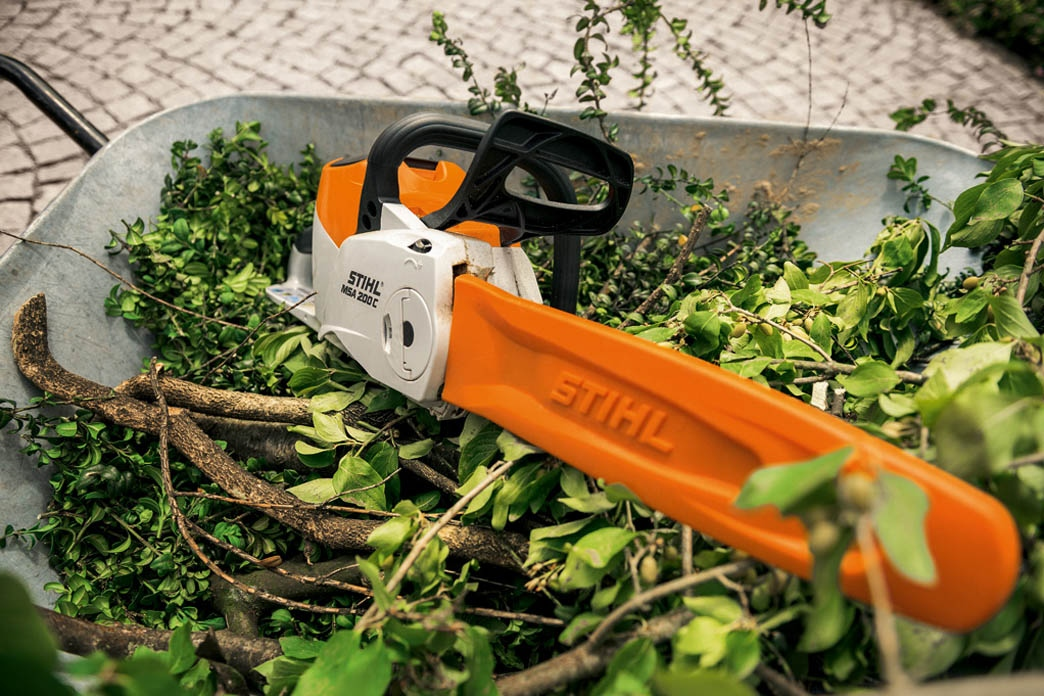 COMPACT battery-powered garden tools from STIHL