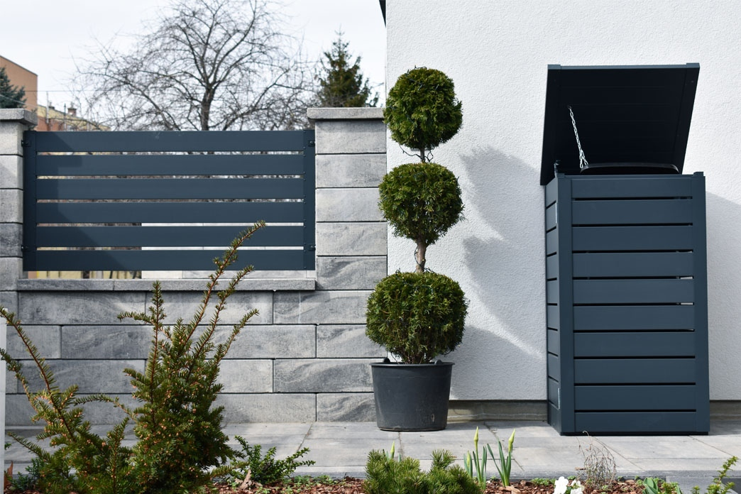 Vario® wastebin - Style at every corner of your garden